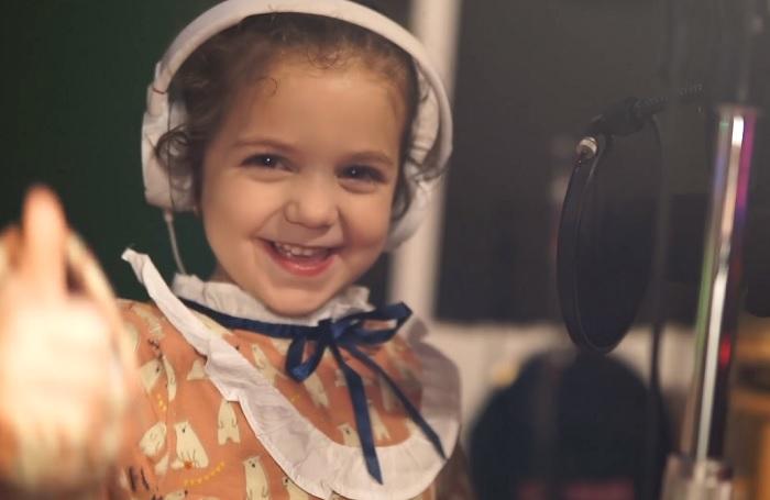Frank Sinatra szája is tátva maradna, ha hallaná ezt a kislányt, ahogyan a dalát énekli!