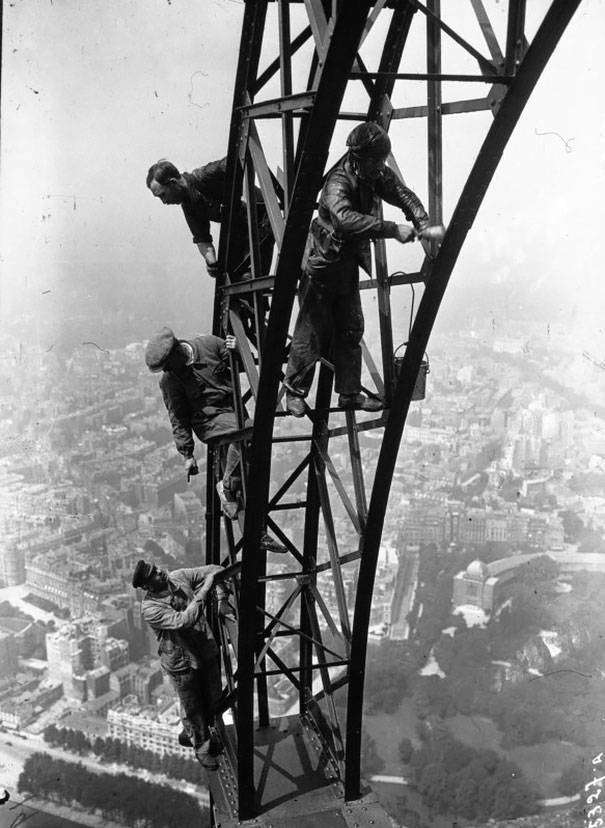 1932: Festik az Eiffel-tornyot